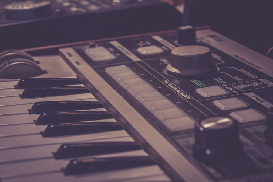 build a home recording studio