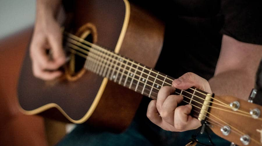 record acoustic guitar